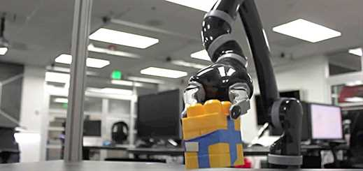 NASA uses Kinect gesture-recognition technology to control a robot arm